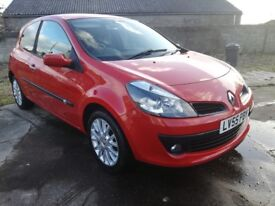 2005/55 Renault Clio Dynamique Sport, 1.6, red, 3 doors, low miles, great service history, huge spec