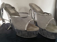 6 inch heels in Silver Mesh detail size 11 ideal for drag, rocky horror, pride!