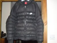 NIKE PADDED COAT WITH REMOVABLE HOOD 13-15 YRS XL BOYS