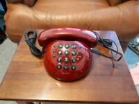 Retro Geemarc Push-button telephone