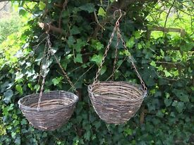 4x Wicker Hanging Baskets with Bronze Chains