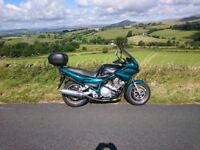 YAMAHA 900s Diversion with sensible accessories included.