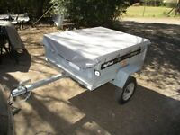 DAXARA 137 (450KG) TILTBED / DROPTAIL GOODS TRAILER......WITH COVER....