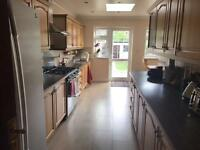Room with private bathroom in Kensal Green