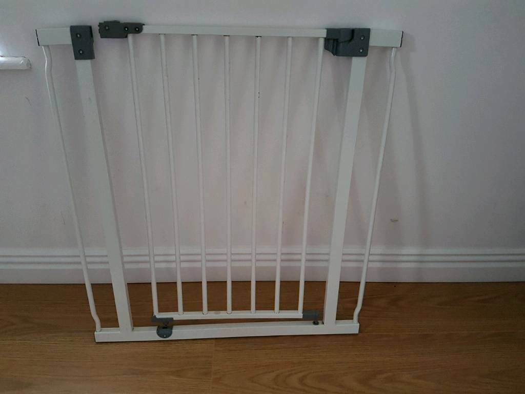 Dreambaby baby gate