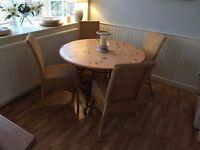 NEXT DINING TABLE 4 DINING CHAIRS CAN DLEIVER FREE