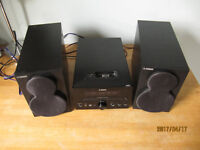 Yamaha Mini hifi CD, DaB, Dock and USB - No remote