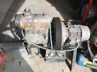 Hydrovane Compressor, Full working order. Can deliver in local to me