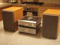 Hitachi AX M71 Mini Hi Fi Amplifier, CD Player, Tuner