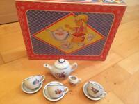 Dolls tea service