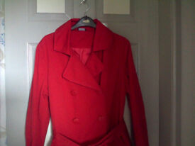 Ladies Red Raincoat. Size 14. Very Good Condition.