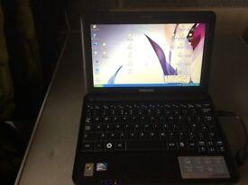 Samsung N130 Netbook