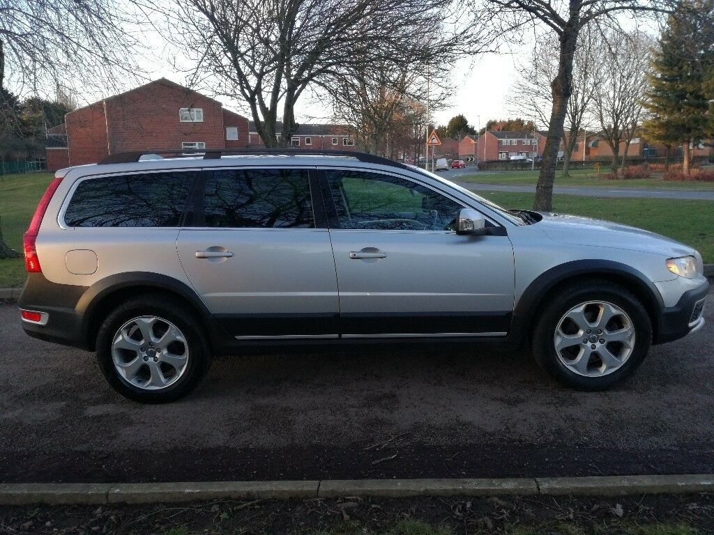 2011 volvo xc70 2 4 d5 diesel se lux geartronic awd nav. Black Bedroom Furniture Sets. Home Design Ideas