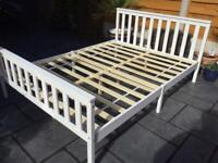 """Hi Gloss White - Double Bed Frame 4' 6"""" - New & Immaculate"""