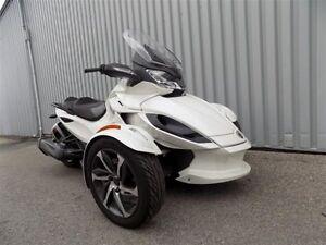 2014 can-am Spyder ST-S