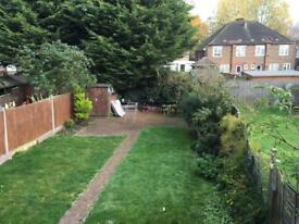 Amaizing double room to rent in mill hill £150 per week all included