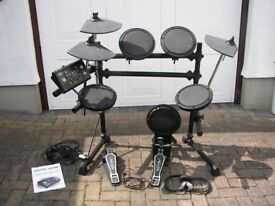 Electronic Drum kit in excellent condition