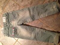 Pantalon Souris Mini 4T jamais porté