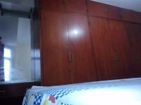 Double room(queen size)at east tube st.
