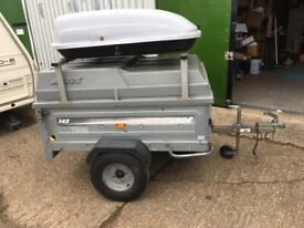 Camping trailer towable