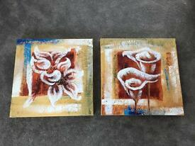 Pair of canvas pictures