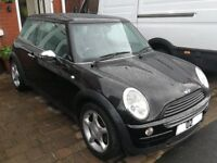 BMW Mini Cooper 1.6 Black MOT end of January runs and drives excellent but gearbox is noisy
