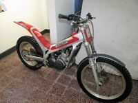 Beta Techno Dougie Lampkin Replica Trails Bike 1999