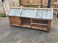 Large rabbit or small animal hutch