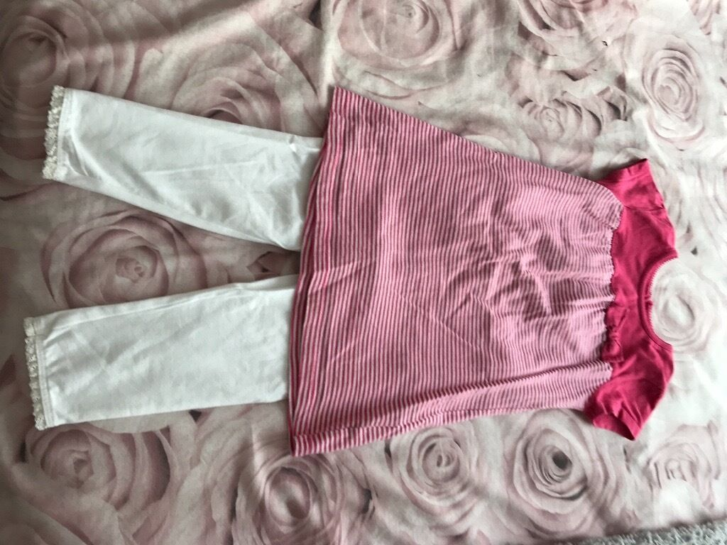 Kids clothes age 12 18 monthsin Cambridge, CambridgeshireGumtree - Girls legging set tescos 12 18 months very good condition welcome to view