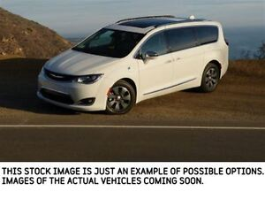 2017 Chrysler Pacifica New Car Limited|uConnectTheatre/Sound,Int