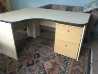 Large Work Station / Office Desk with 2 Drawer Filing Cabinet & Set of Drawers