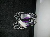 Ladies flat black and white shoes size 5