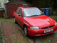 FORD ESCORT 1 YEARS MOT 5 DOOR 1.6 only 45000 miles immaculate interior nice body sunroof BARGAIN