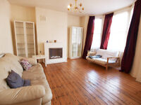 A large 4 bedroom split level flat locate sjust a stones throw from Finsbury Park tube station