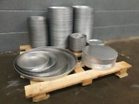 Pizza equipment pans and lids