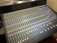 Behringer Eurodesk MX9000 24 channel sound desk MIDAS YAMAHA ALLEN & HEATH MACKIE