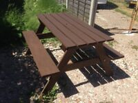 Picnic bench / pub garden table