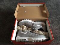 Nike invigor men's 9.5 grey