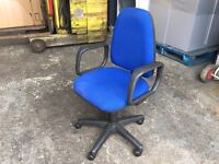 QUALITY USED BLUE OFFICE SWIVEL CHAIR / OPERATORS CHAIR