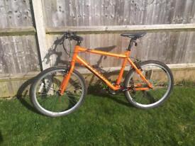 Men's Halfords Carrera Hybrid Bike Orange Like New!