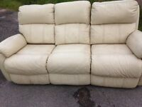 3/2 cream leather sofas electric recliners