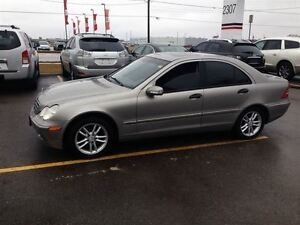 2004 Mercedes-Benz C240 4MATIC SPORTY VERY SMOOTH !!!!!!!!! London Ontario image 2