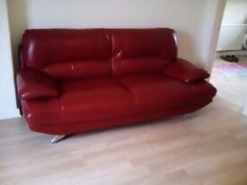 Quality leather sofa cost over £800 sell for £200 condition as new ,can deliver
