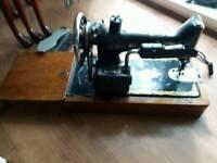 Vintage sinet sewing machine 1923 aprox