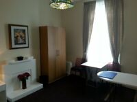 Very Comfortable & Attractive Large Single Room