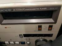 Sony betacam bvw-10p recorder plus lots of tapes