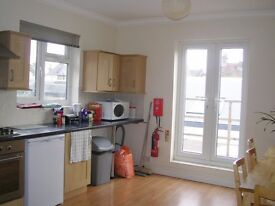 SMALL QUIET SINGLE ROOM TOOTING BROADWAY £90 P/W ALL BILLS INCLUDED