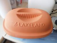 NEW LAKELAND TERRACOTTA POT WITH LID