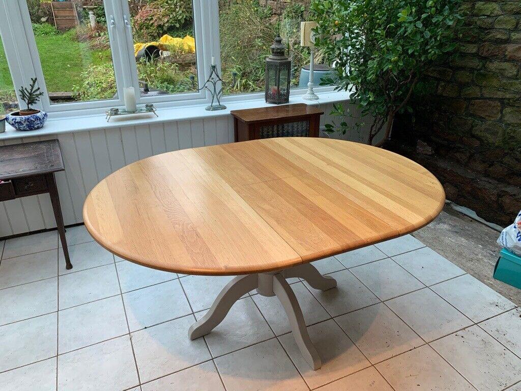 John Lewis: Regent Round 4-6 Seater Extending Dining Table ...
