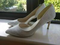 Bridal shoes heels white size 6